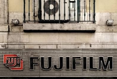 Lisbon Fotocolor Typography Signage. Quest - Im Wandel Der Zeit. Oliver Lins