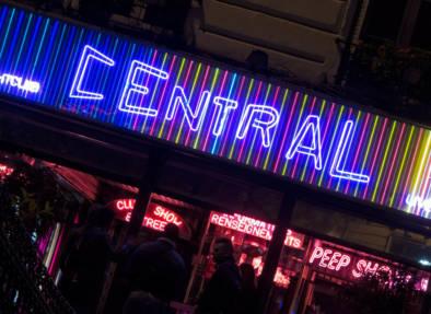 Montmartre Pigalle By Night. Neon. Quest - Im Wandel Der Zeit. By Oliver Lins