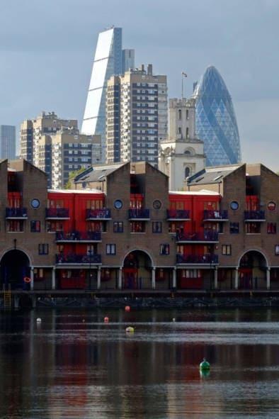 Rebuilding Metropolis London Oliver Lins