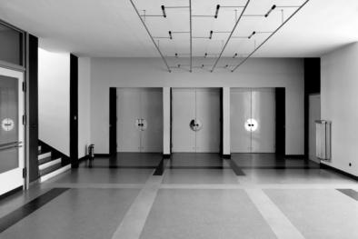Bauhaus Dessau, Elevators, Quest - Im Wandel der Zeit,Oliver Lins